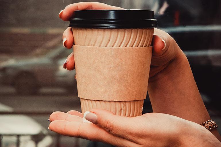 Кофе с собой в очень проходном месте
