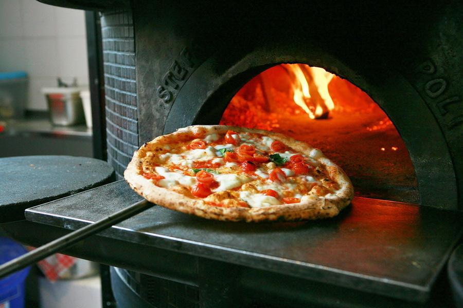 Пиццерия с доставкой на петроградке