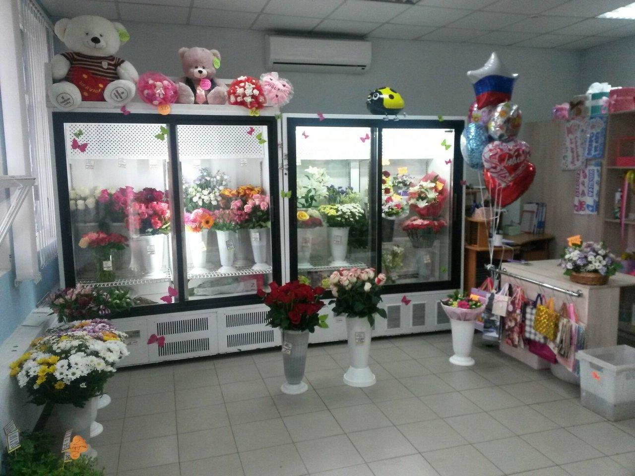 Цветочный магазин с большой проходимостью у метро