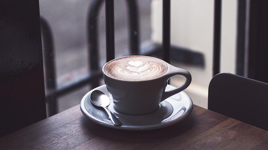 Кофейня на пешеходной улице