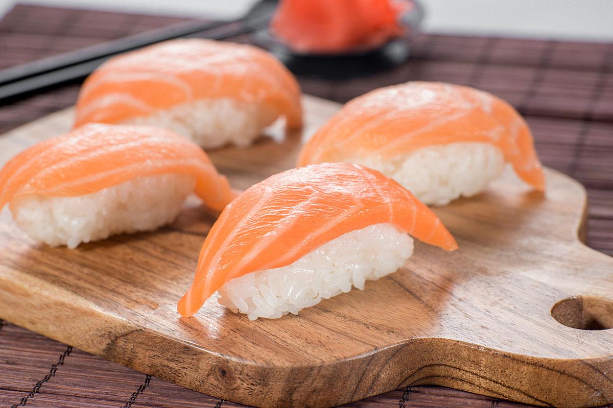 Магазин суши и роллов крупной сети