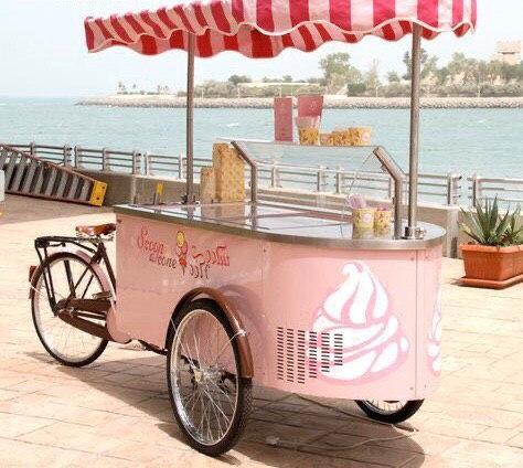 Фанфуд/жареное мороженое и фигурная сладкая вата