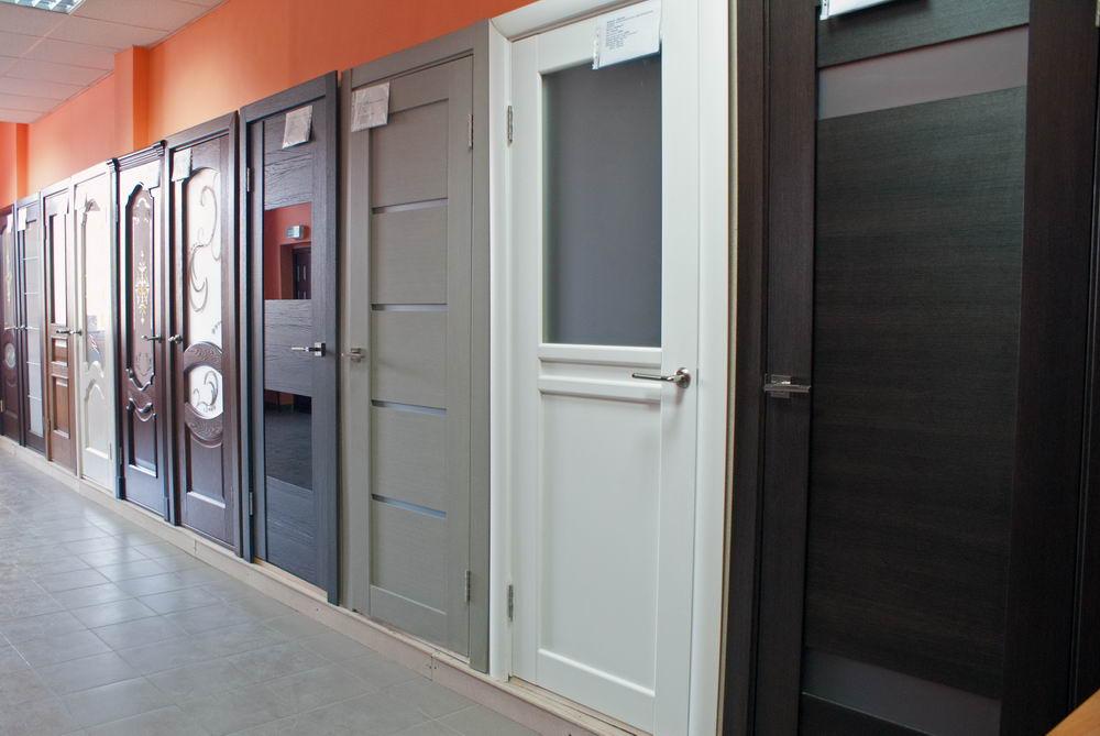 Компания по продаже межкомнатных и металлических дверей