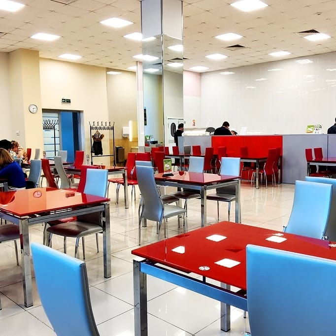 Кафе-столовая в крупном бизнес-центре