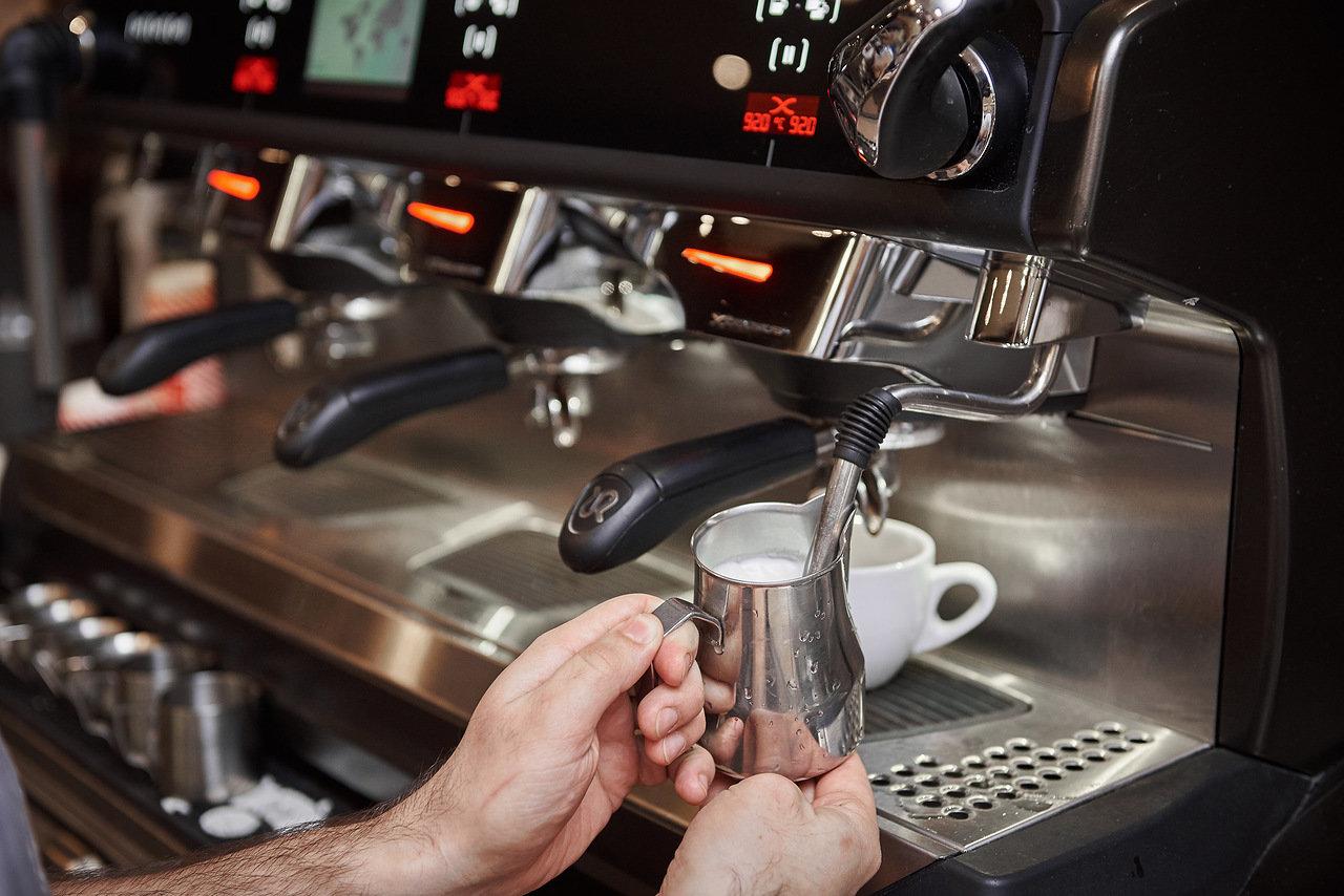 """Кофейня формата """"кофе с собой"""" рядом с Невским пр."""