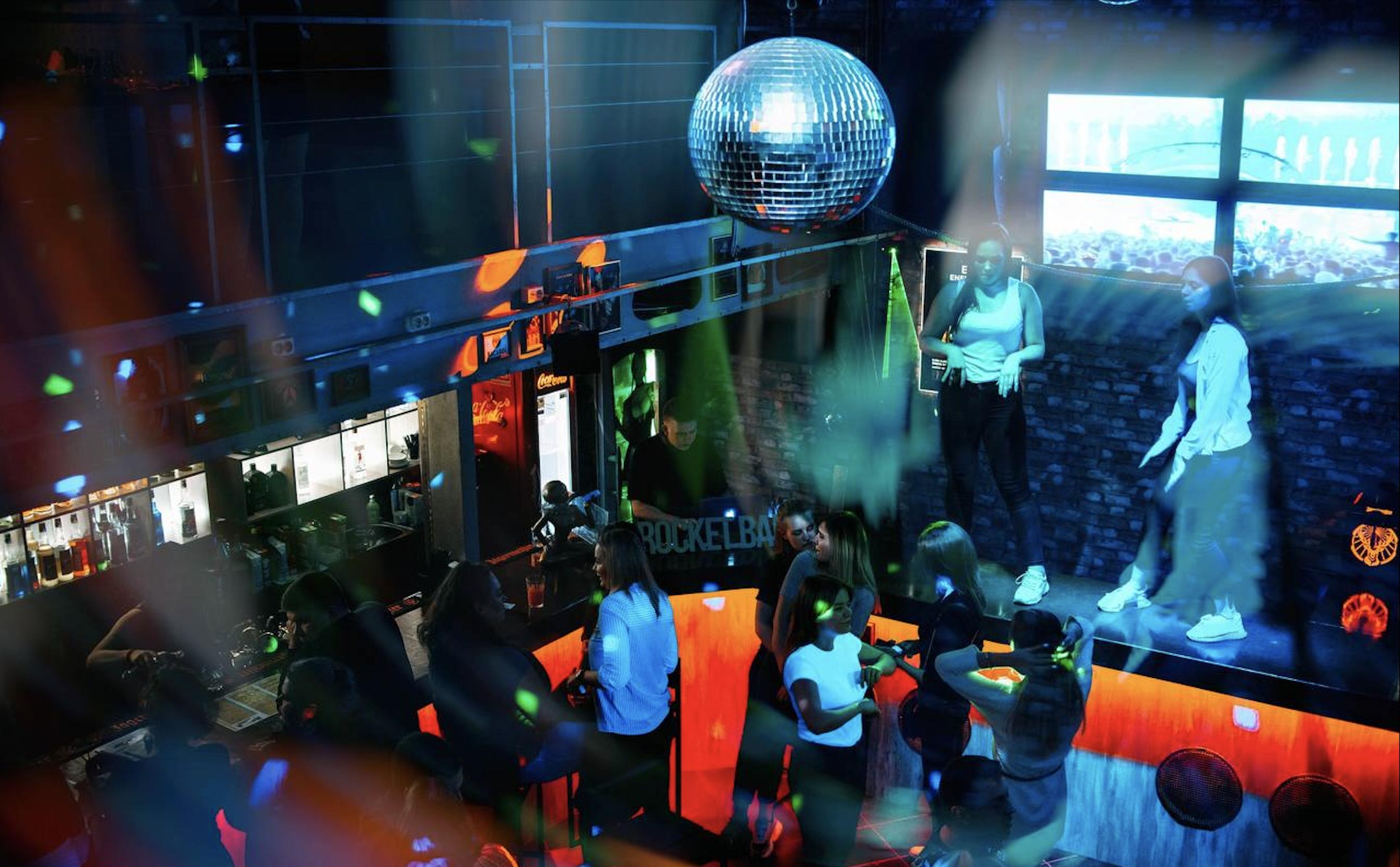 Современный лофт бар в Красносельское районе