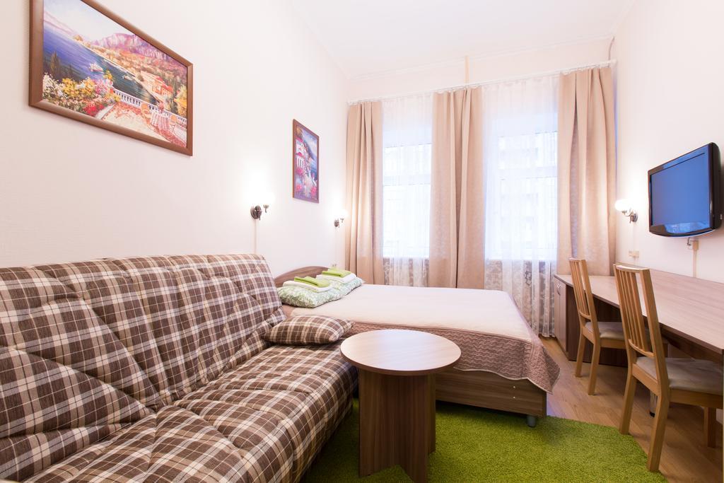 Двухэтажный мини-отель на 5 номеров на Невском проспекте