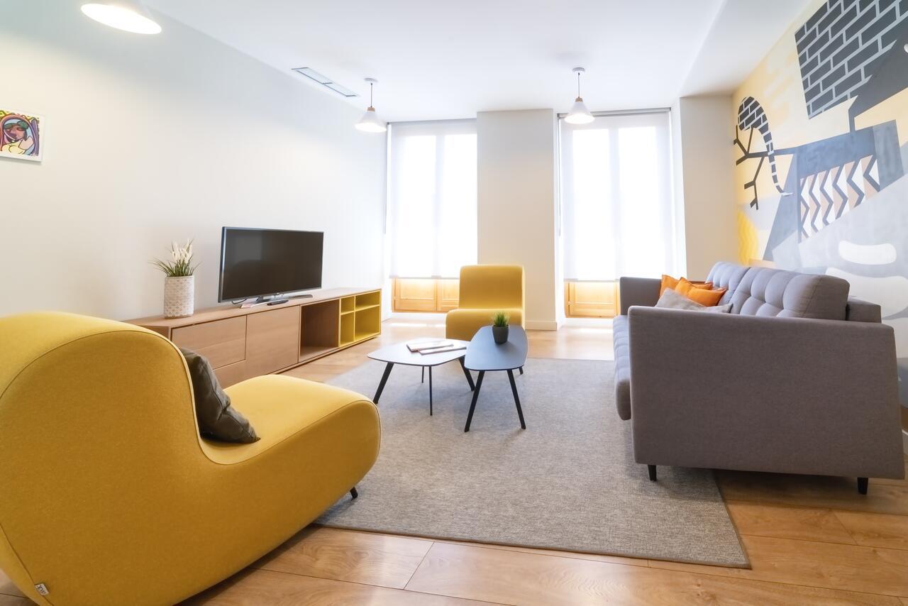 Сеть, состоящая из 10 апартаментов
