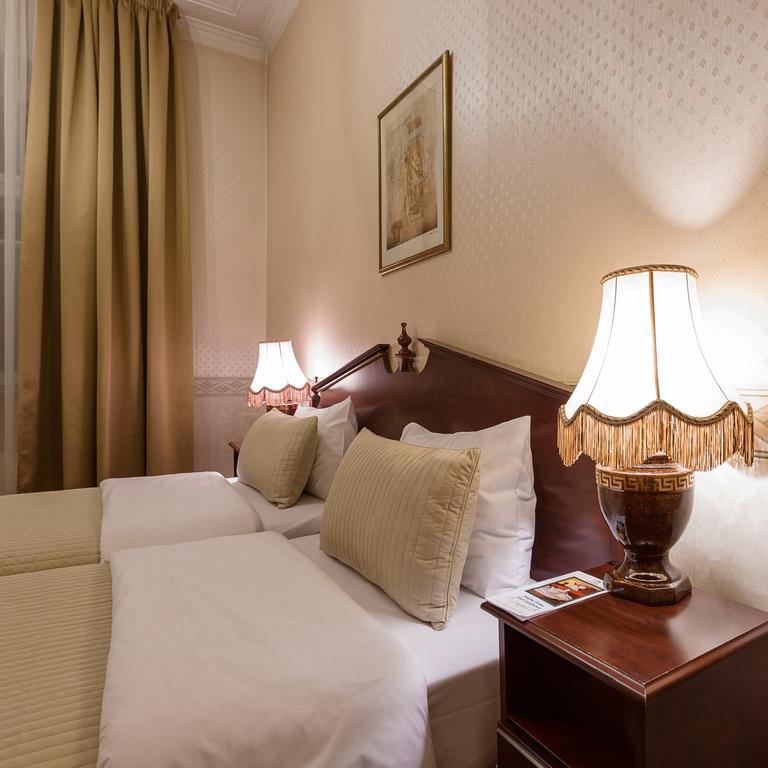 Отель в ОСЗ 300 кв. м. и земля в собственности