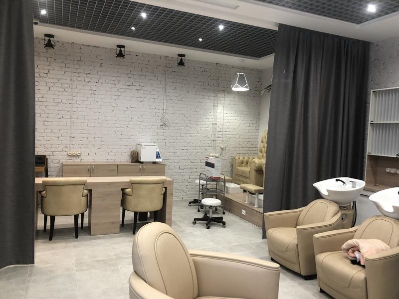 Салон красоты в ТРК в московском районе