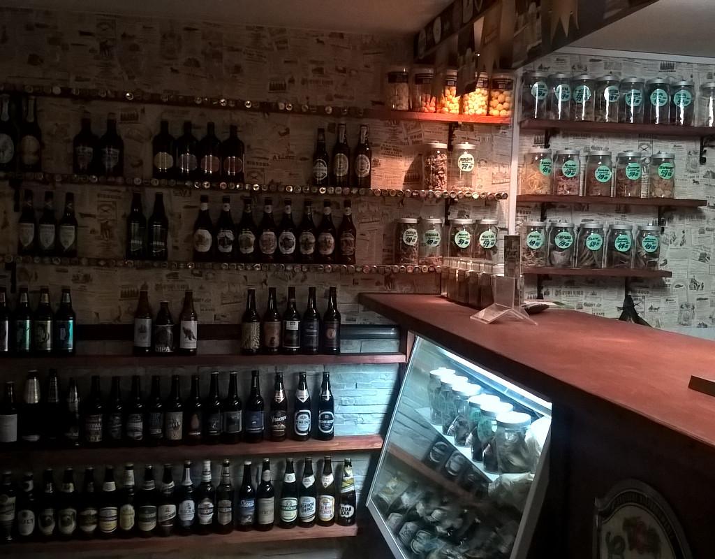Популярный пивной бар в Приморском районе
