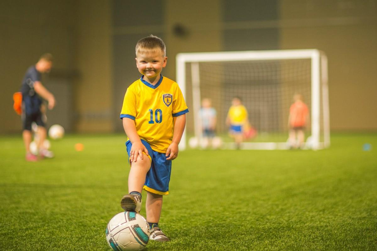 Футбольный центр Прибыль 108 000 + Детская школа