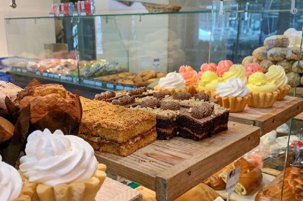 Известная пекарня с посадочными местами