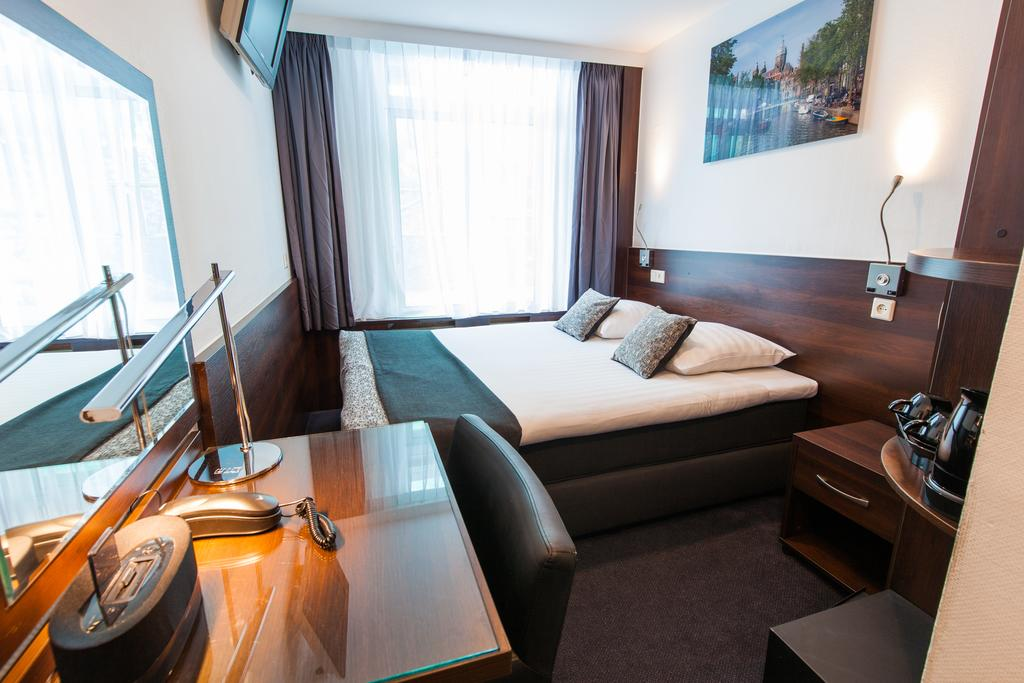 Отель на 6 номеров с санузлами в каждом номере