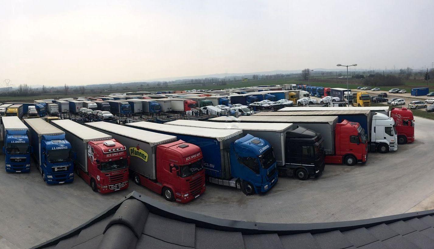 Автостоянка грузовых автомобилей более 3,5 тонн