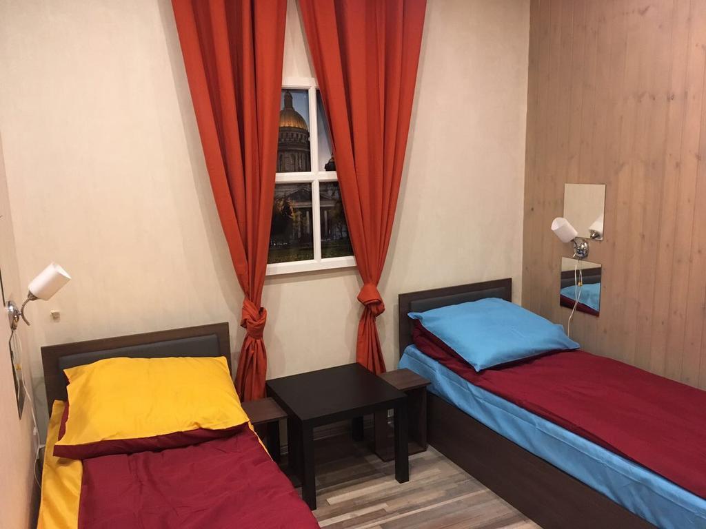Мини-отель на Невском проспекте. Нежилой фонд, 5 номеров