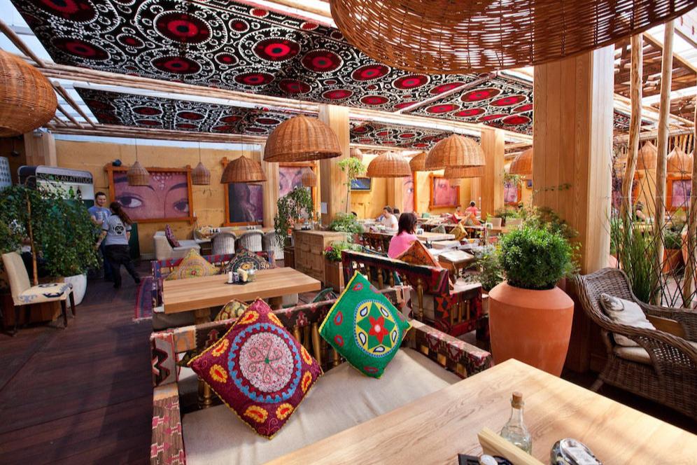 Ресторан с двадцатилетней историей на набережной