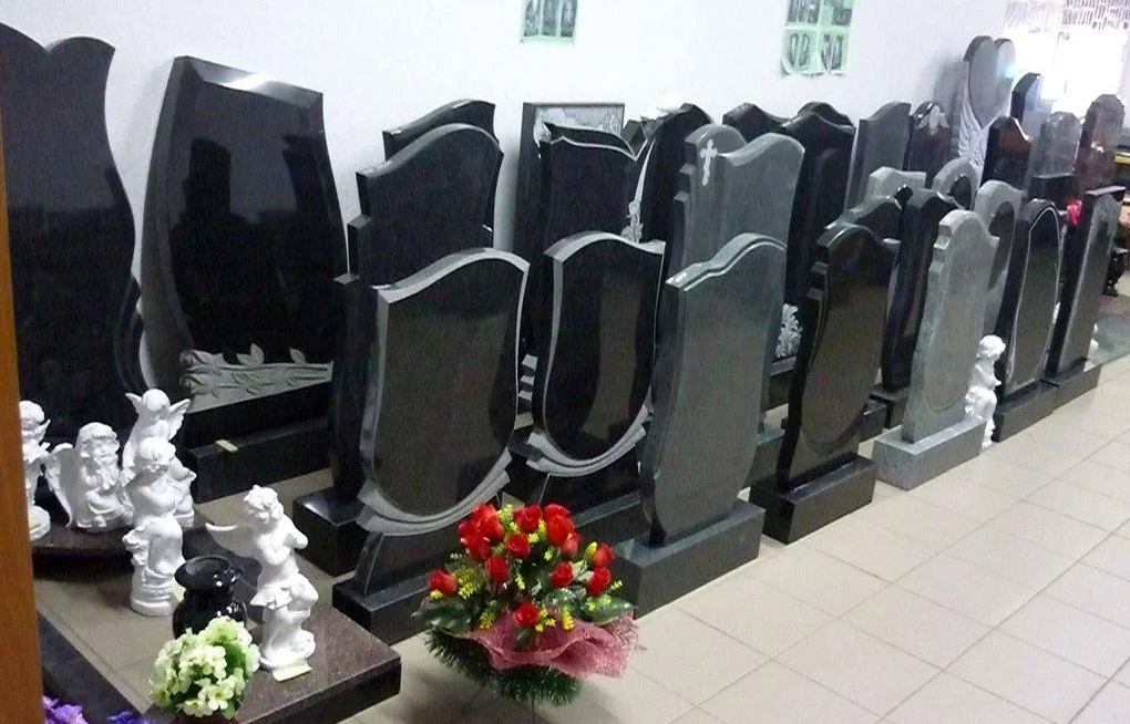 Производство надгробий с доп. услугами 25 лет