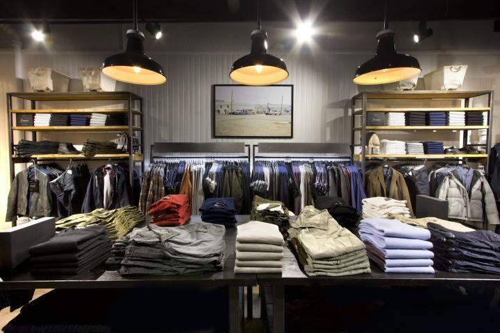 Магазин одежды в популярном ТРЦ