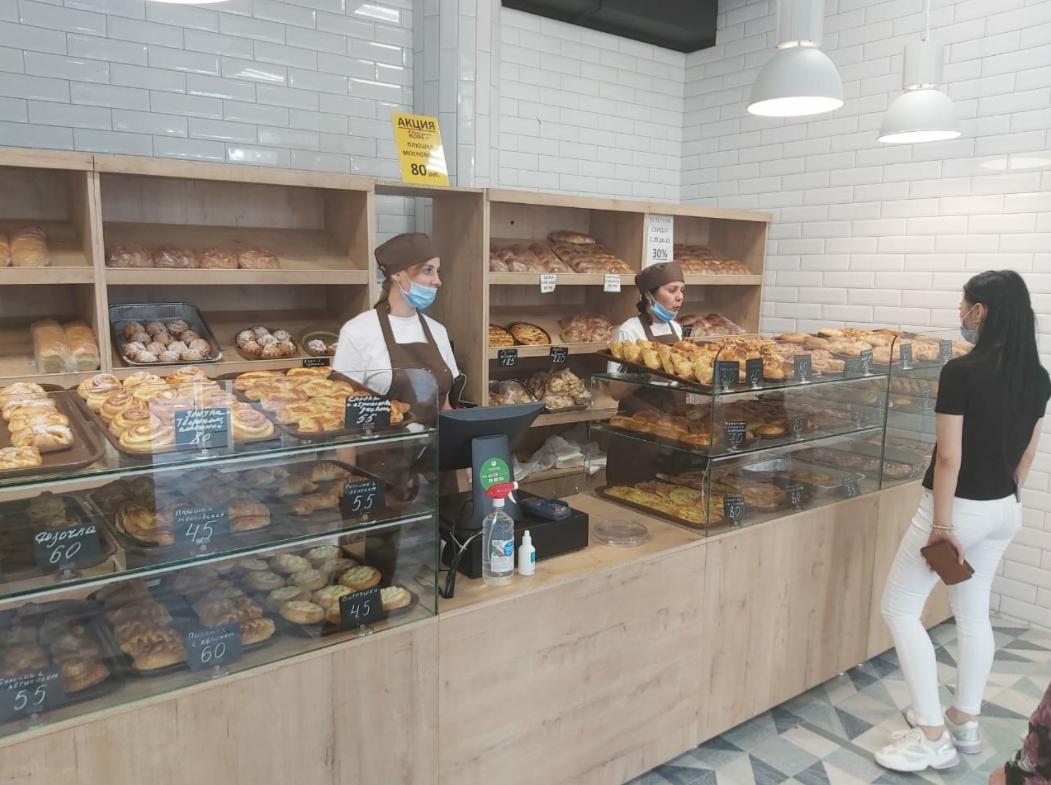 Пекарня полного цикла у входа в университет