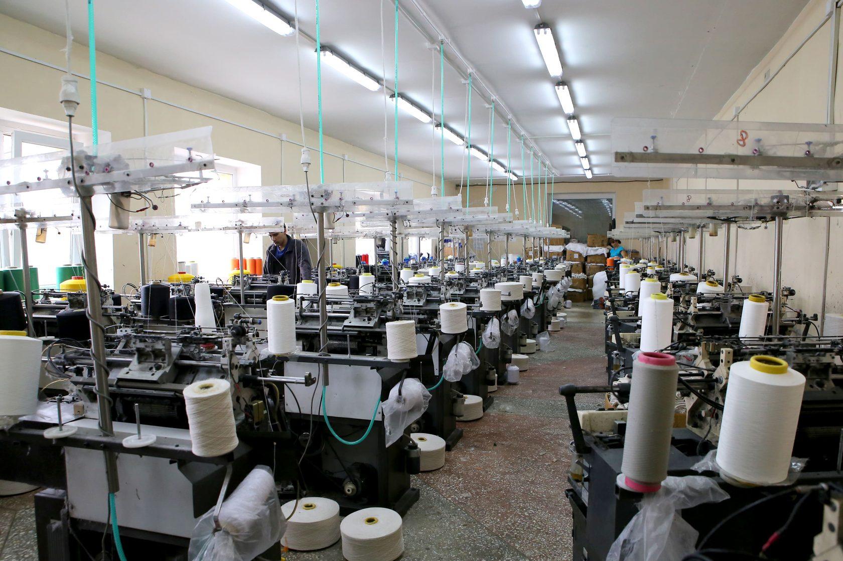 Производство перчаток с магазином