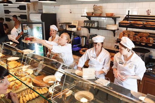 Пекарня с собственным брендом: 15 посадочных мест