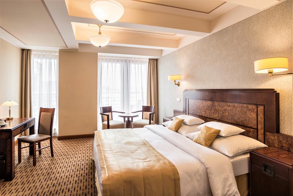 Отель формата 3 звезды – собственность на Невском проспекте