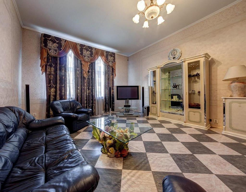 Отель в собственность на Невском пр. 12 номеров