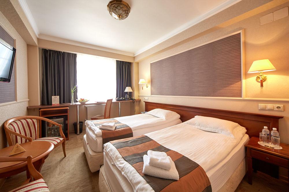 Отель бизнес-класса на девять номеров