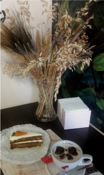 Пекарня-кофейня на Парнасе