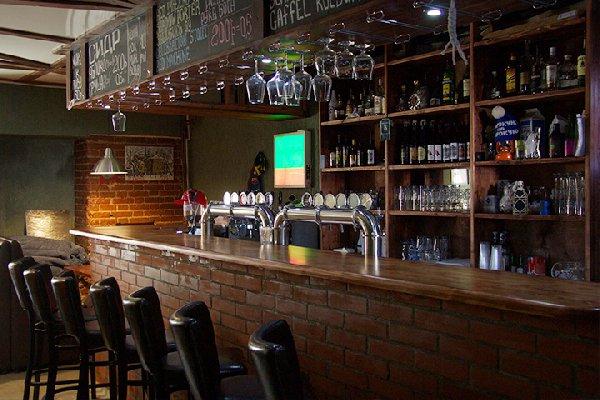 Сеть крафтовых баров и магазинов суши (6 объектов)