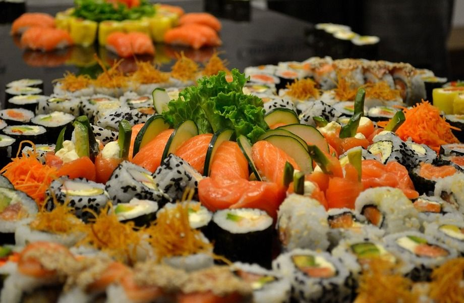 Магазин суши в проходимой локации