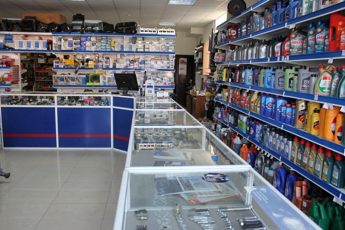 Магазин автозапчастей в В. Новгороде Прибыль 300 000