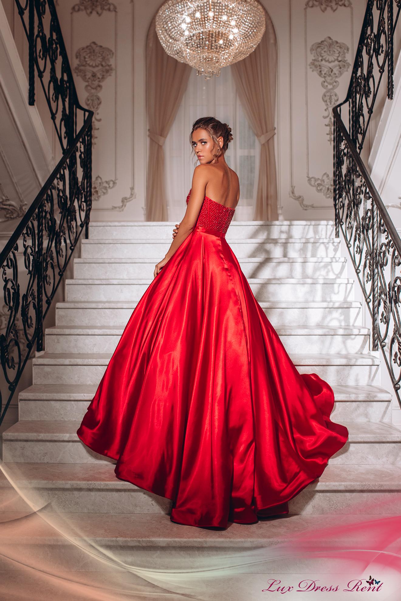 Прокат брендовых вечерних платьев